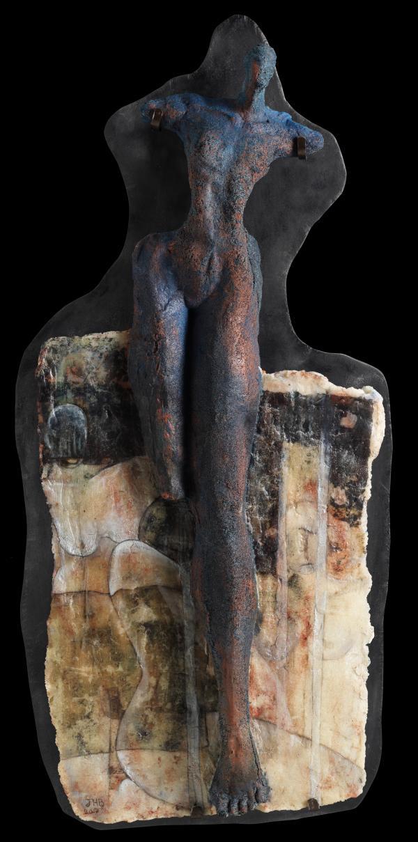 Botquelen-sculpture_house_of_silentes_mit_holzplatte_2_2