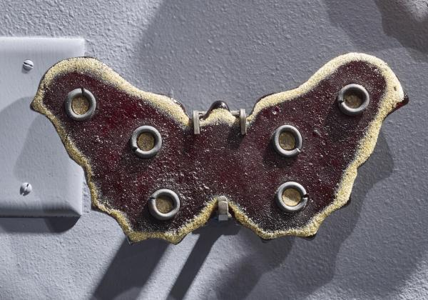 Butterfly - 10 inch -  Merlot with Rings and Gold Edge Marlene 2020-11-1 Imagine93466